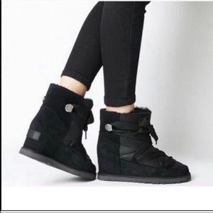 🌺Authentic🌺NIB Ugg CLASSIC FEMME LACE-UP
